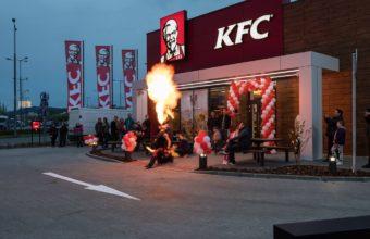 Otevírání pobočky KFC